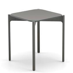 IZON • Outdoor Beistelltisch • 39×39cm • Gestell Black Pepper • HPL-Platte Vulcano • DEDON