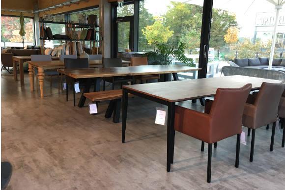 Massivholz-Tische